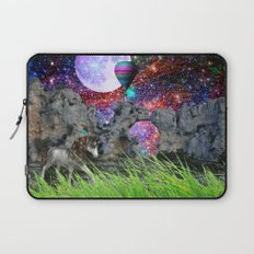 dreaming planet Laptop Sleeve