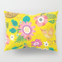 The yellow vision of the little bird Pillow Sham