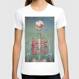 Blooming skeleton on the grunge background  T-shirt