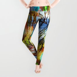 Pavo Feathers Under Water Leggings