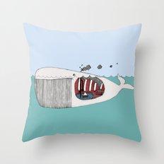 I valfiskens mage Throw Pillow
