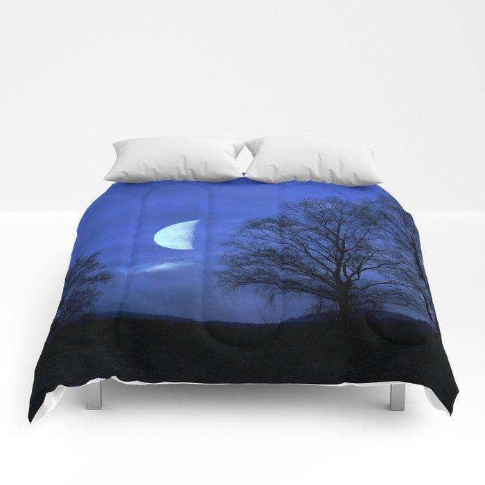 Moon between Trees  - JUSTART © Comforters