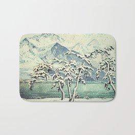 Seasonal Snow at Dara Bath Mat