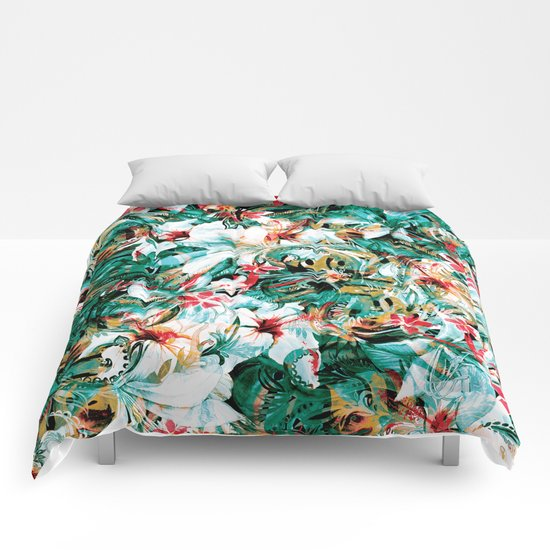 Seamless Floral And Paisley Pattern Comforters