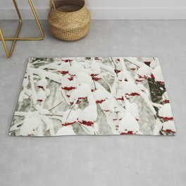 Red berries and snowy tree Rug