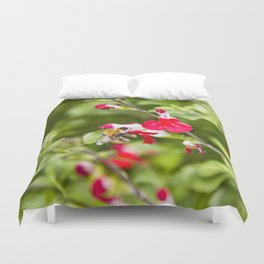 Busy bee in the flowers Duvet Cover