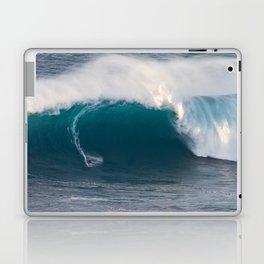 """Surfing """"Jaws"""" (Pe'ahi) Laptop & iPad Skin"""
