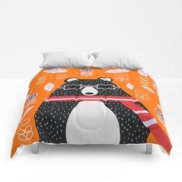 Bear in floral rain Comforters
