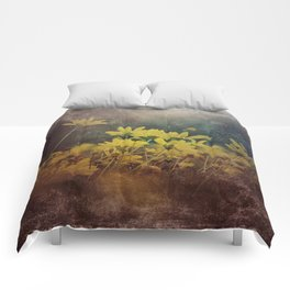 Abstract Yellow Daisies Comforters