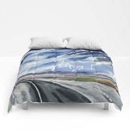 Thunderstorm en route Comforters