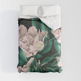 Blooming pink large flowers Comforters