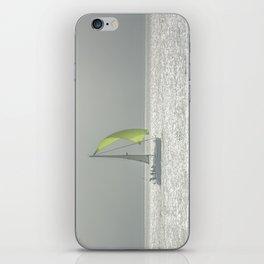 la voile jaune iPhone Skin