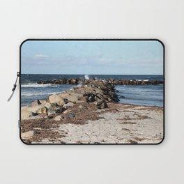 Breakwater at the Baltic beach - Wellenbrecher am Ostseestrand Laptop Sleeve