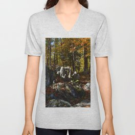 Hiking thru the Piers Gorge Unisex V-Neck