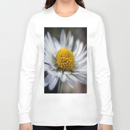 Daisy Macro Long Sleeve T-shirt