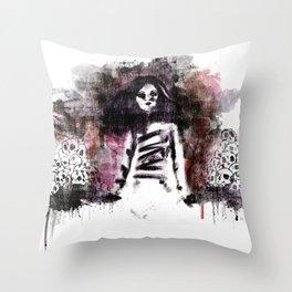 Soldados muertos (color version) Throw Pillow