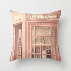 London is calling my name Throw Pillow