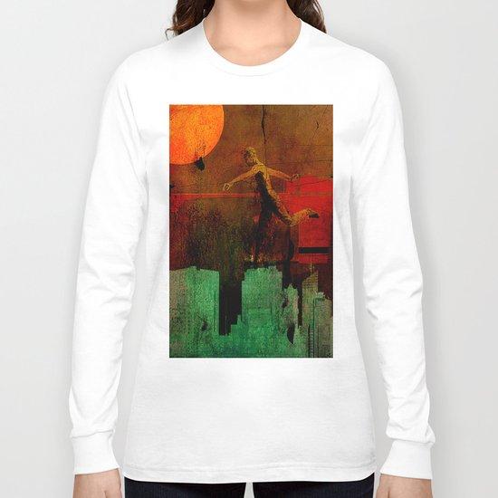 Jump on the green city Long Sleeve T-shirt