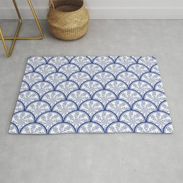 Blue and White Chinoiserie Floral Pattern Stacked Circle Scales Shapes Rug
