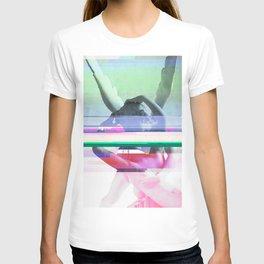 Love's a glitch (Cupid's corrupt kiss) T-shirt
