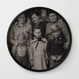 Die Familie Wall Clock