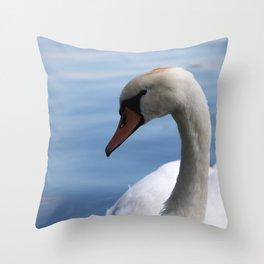 Close up swan Throw Pillow