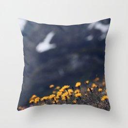 beautiful wild flowers Throw Pillow