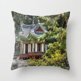 Buyongi Pond, Secret Garden, Changdeokgung Palace, Seoul Throw Pillow