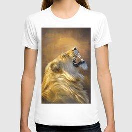 Roaring lion portrait T-shirt