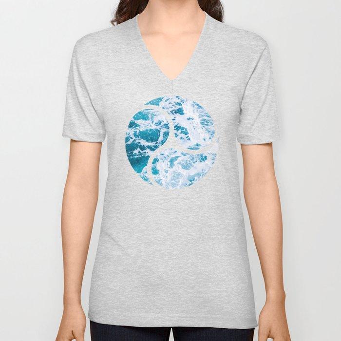 Perfect Ocean Sea Waves Unisex V-Neck