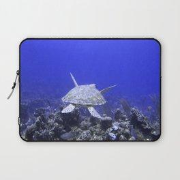 Green Turtle Swimming Laptop Sleeve