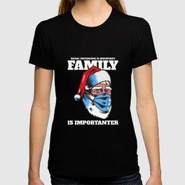 Social Distancing Christmas Xmas Funny Gift T-shirt