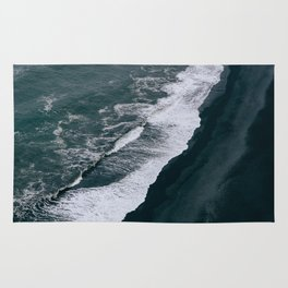 Black Sand Beach and Waves in Iceland Rug