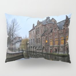 Belgium, City Canal 9 Pillow Sham