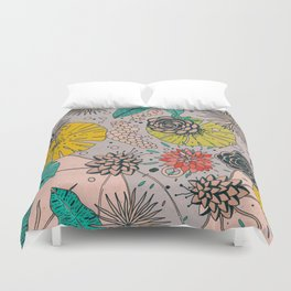 Olga loves flowers Duvet Cover