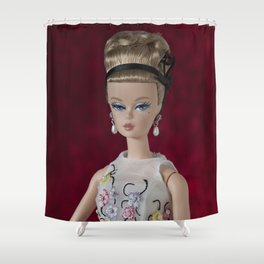 Alta sociedad Shower Curtain