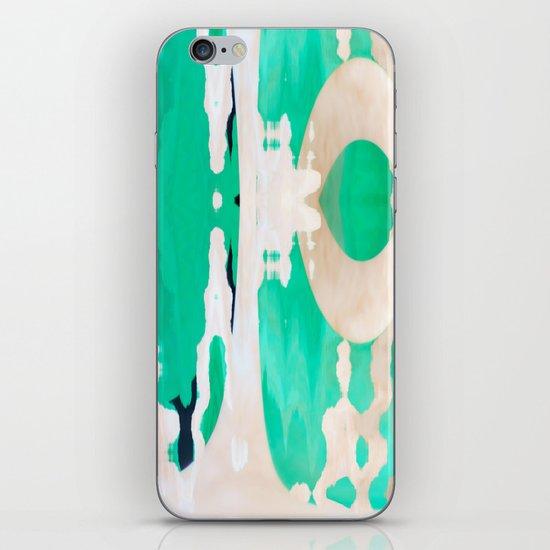 undone iPhone Skin