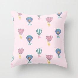 Sweet balloon dreams - pink Throw Pillow