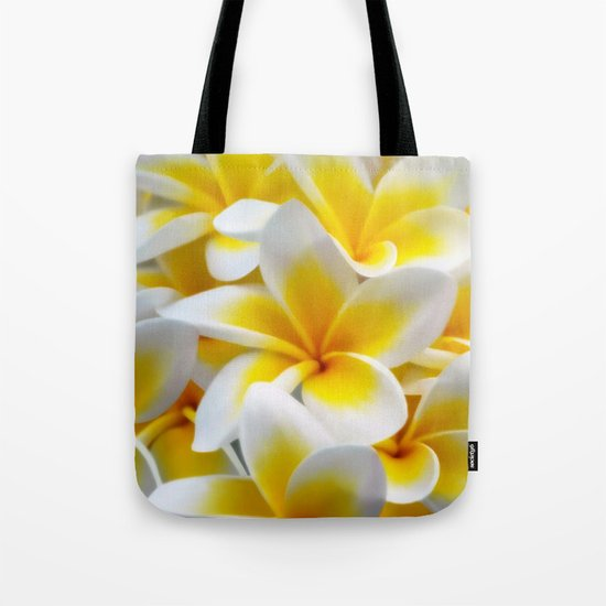Frangipani halo of flowers by laureenr