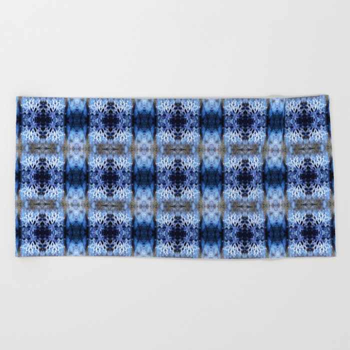 snowflake in blue 8 pattern Beach Towel