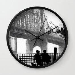 Un ojo en el corazón de un poeta Wall Clock