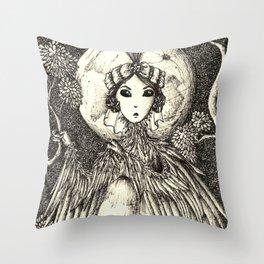 Harpy queen Throw Pillow
