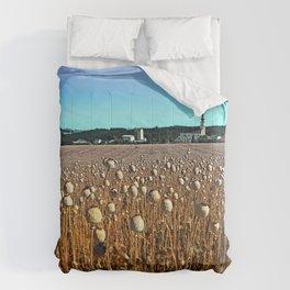 Poppy fields with a sunburn Comforters