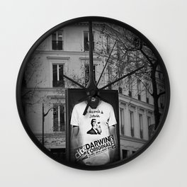 je descends de Darwin Wall Clock