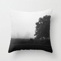 Brouillard Throw Pillow