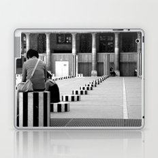 Full speed ahead into the wall Laptop & iPad Skin