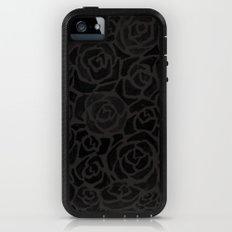 Cluster of Black Roses Adventure Case iPhone (5, 5s)