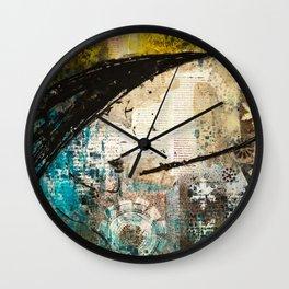 Les deux Femmes I Wall Clock
