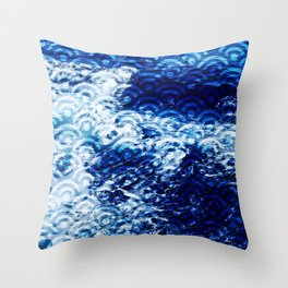 Waves of change (Japanese Seigaiha Wave pattern) Throw Pillow