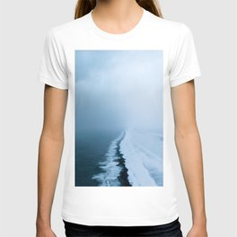 Infinite and minimal black sand beach in Iceland - Landscape Photography T-shirt